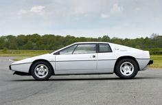 Lotus Esprit - As from James Bond. I had the tiny scale model of this as a child. James Bond Cars, Slr Mclaren, Lotus Esprit, Lotus Car, Porsche 911 Turbo, Cute Cars, Film, Concept Cars, Lamborghini