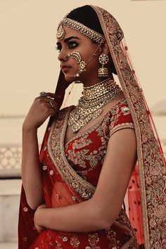Sun raha hain naa tu - Sun raha hain naa tu Source by - Indian Bridal Outfits, Indian Bridal Fashion, Indian Dresses, Indian Aesthetic, Chica Fantasy, Mädchen In Bikinis, Bridal Lehenga Collection, Indian Attire, Hindus