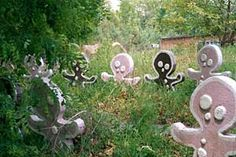 Abandoned Gingerbread men- Enchanted forest MD, little bit creepy! Abandoned Malls, Abandoned Mansions, Abandoned Buildings, Abandoned Places, Abandoned Castles, Enchanted Forest Maryland, Enchanted Forest Theme, Abandoned Theme Parks, Abandoned Amusement Parks