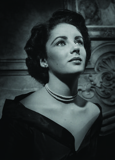 9 Rare Pictures Of Elizabeth Taylor (PHOTOS)