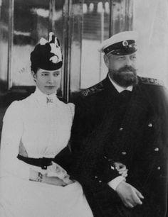 carolathhabsburg:  A very nice image of Tsarina Maria Fyodorovna and Tsar Alexander III. Late 1880s.