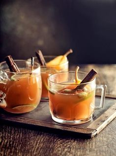 If you're not a fan of mulled wine or fancy something different, this deeply spiced pear and rum drink will warm you up nicely (Best Christmas Jamie Oliver) Ginger Cocktails, Ginger Drink, Cocktail Recipes, Cocktail Ideas, Ginger Fizz, Sweet Cocktails, Spiced Pear, Spiced Rum, Cocktail