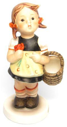"""MI Hummel Goebel Figurine """" Sister """" Hum 98 TMK 3 (1958-1972)"""