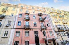 Lisboa, Alameda, Rua Quirino da Fonseca. Apartamento T4 com 135 m2, renovado. Vendido em Março por 260 mil euros. Vendido por Diogo Neto.