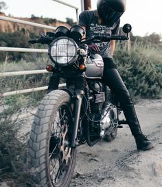 atwyldThere is a reason why we named these the Shred Moto Jeans /// 📷 by @phamuelphoto