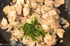 CLATITE UMPLUTE CU CIUPERCI SI SOS BECHAMEL LA CUPTOR   Diva in bucatarie Potato Salad, Potatoes, Chicken, Meat, Ethnic Recipes, Food, Potato, Essen, Meals