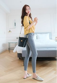 Source by Outfits korean Korean Casual Outfits, Korean Summer Outfits, Korean Fashion Summer Casual, Korean Girl Fashion, Korean Fashion Trends, Korean Street Fashion, Casual Work Outfits, Ulzzang Fashion, Korea Fashion