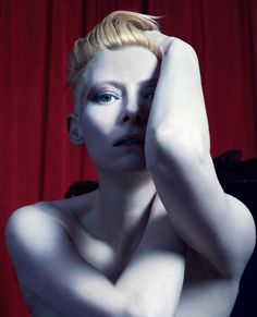 Tilda Swinton photographed by Mario Sorrenti, styled by Patrick Mackie; W Magazine November Mario Sorrenti, Tilda Swinton, British Actresses, Actors & Actresses, Tv Movie, Foto Pose, Poses, Famous Faces, David Bowie