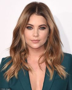 Warmer locks: On November 22, the actress appeared to have a less visibly highlighted look...