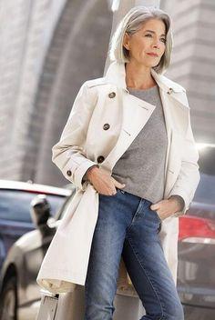 Базовый гардероб для женщины 50 лет: фото, правила и ограничения