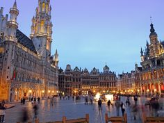 Brussels, Belgium: the Grand Place, shown in this photo was the square that my great-grandmother would go to and sit in. I was here many years ago London Calling, Places To See, Places Ive Been, Mercure Hotel, Cities, World Heritage Sites, Us Travel, Family Travel, Travel Guide