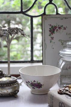 antique violette bol a café au lait, cafe au lait bowl, rustic, shabby chic, Junk elegance