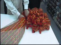 """Craig Bachman Imports 24"""" Work Wreath.wmv Get the supplies to make this at www.cgpackaging.com"""