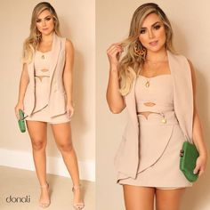 shape único e moderno que valoriza e acrescenta ainda mais glamour ao seu look!😍 #donalibrand Chic Outfits, Pretty Outfits, Spring Outfits, Dress Outfits, Fashion Dresses, Girl Fashion, Fashion Looks, Popular Outfits, Jumpsuit Dress