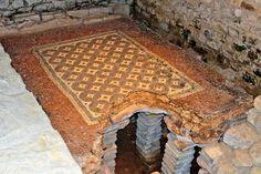 Chedworth Roman Villa | Well-preserved Roman mosaic floor in the Tepidarium (warm room) of the villa. Flickr - Photo Sharing!