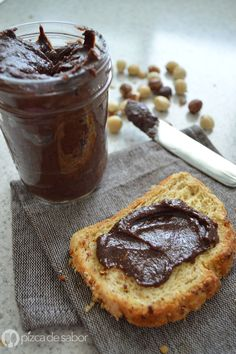 How to make Nutella at home - healthy version (step by step) Sweet Recipes, Raw Food Recipes, Dessert Recipes, Chocolates, Breakfast For Kids, Healthy Baking, Healthy Desserts, Food Porn, Food And Drink