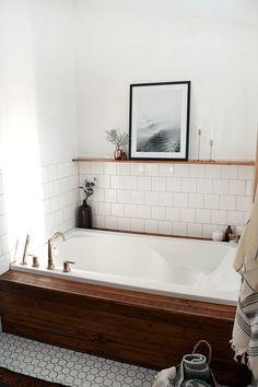 Home Decor Living Room Modern Vintage Bathroom Makeover.Home Decor Living Room Modern Vintage Bathroom Makeover Bad Inspiration, Bathroom Inspiration, Midcentury Modern, Modern Vintage Bathroom, Vintage Modern, Classic Bathroom, Vintage Bathtub, Vintage Trends, Vintage Decor