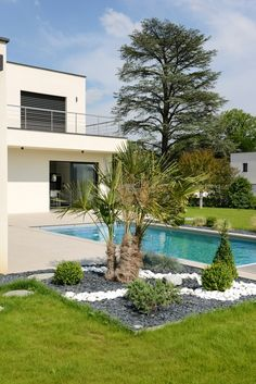mansions with gardens . nemours mansion and gardens . adena mansion and gardens Kensington Palace Gardens, Moderne Pools, Porches, My Pool, Modern Landscaping, Big Houses, Garden Projects, Architecture Design, Swimming Pools