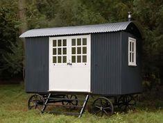 Plankbridge Shepherd Huts - Riverkeeper's hut