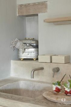 Fresco kalkverf in de kleur Sea Foam, toegepast in de badkamer