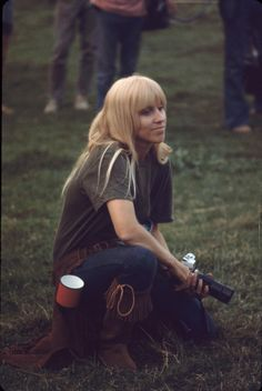 Girls of Woodstock – The Best Beauty and Style Moments from 1969