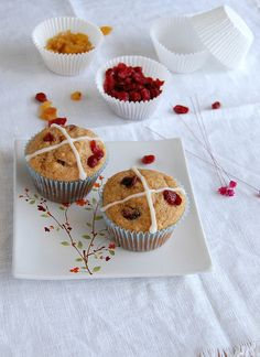 Hot cross muffins / Muffins hot cross by Patricia Scarpin, via Flickr