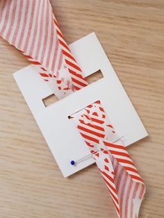 Make your own bias binding - from your favorite fabric paper packages gift wrapping wrapping gifts tags gifts paper Gift packaging gifts papers Upcycled Crafts, Diy And Crafts, Make Your Own, Make It Yourself, How To Make, Sewing Hacks, Sewing Projects, Self Care Bullet Journal, Bias Binding