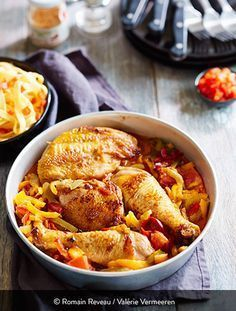 The real Basque chicken recipe Source by martinedardart Duck Recipes, Chicken Recipes, Cambodian Food, Cooking Recipes, Healthy Recipes, Exotic Food, My Favorite Food, Food Inspiration, Label Rouge
