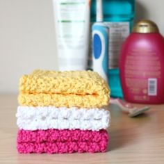 A quick and easy knitting pattern for double seed stitch washcloths.
