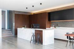 Marzua: Cocina contemporánea diseñada por Minosa Design