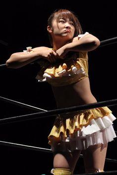 Female Japanese wrestler Natsumi Maki http://hubpages.com/entertainment/Japanese-Female-Wrestlers