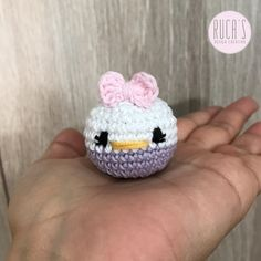 It is the largest bank of amigurumi employers in Spanish. Disney Crochet Patterns, Crochet Amigurumi Free Patterns, Doll Patterns, Crochet Toys, Free Crochet, Knitting Projects, Crochet Projects, Crochet Mignon, Different Crochet Stitches