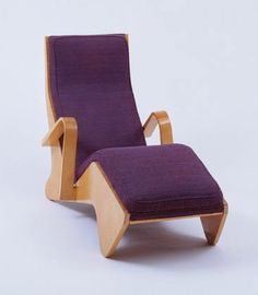 """Chaise Longue  Marcel Breuer (American, born Hungary. 1902-1981)    1938. Molded and cutout plywood and upholstery, 32 1/2 x 55 1/2 x 23 5/8"""" (82.5 x 141 x 60 cm). Manufactured by The Isokon Furniture Company, London. Gift of Judith Price"""