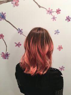 pink Hair, dusky pink, wavy hair. mid length. Wavy Hair, Pink Hair, Mid Length, Long Hair Styles, Halloween, Beauty, Rose Hair Color, Beleza, Hair Weaves