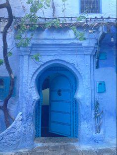 青の街。幻想的な街シャウエン : 【モロッコ】死ぬまでに行きたい!空と海の色に塗られた神秘的な街「シャウエン」【美しすぎる】 - NAVER まとめ