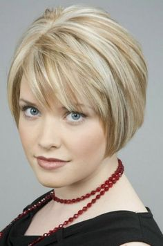 Short Layered Bob Hairstyles For Fine Hair - hair styles for short hair Short Hair Styles For Round Faces, Short Hair With Bangs, Short Hair With Layers, Short Hair Cuts For Women, Choppy Hair, Hair Bangs, Bob Bangs, Short Styles, Short Layered Bob Haircuts