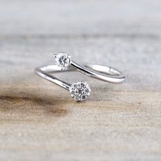 14 k or blanc diamant Twist fleur ouverte Pinkie par ASweetPear