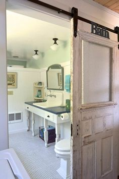 Porte en bois authentique avec fenêtre