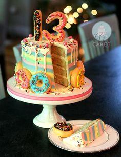 How to make a striped, drippy, doughnut cake! Teenage Girl Birthday, Teenager Birthday, Birthday Cake Girls, Birthday Cakes, Birthday Ideas, Date Energy Bars, Drippy Cakes, Doughnut Cake, Throw A Party