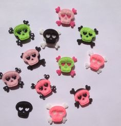 Felt Skull & Crossbones Mixed Pack – Halloween/Punk/Goth - 20 pieces in pack | eBay