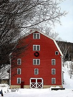 Something about Red!! Farm Life, Architecture, Covered Bridges, Christmas Heaven, Country Christmas, Red Christmas, Cottage Christmas, Primitive Christmas, Christmas Trees