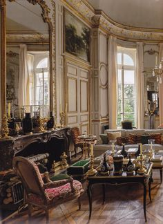 Givenchy's home in Paris. Count Hubert de Givenchy was a French fashion designer who founded the house of… Marquise, Interior Decorating, Interior Design, Paris Apartments, Classic Interior, French Country Style, French Furniture, French Decor, Beautiful Interiors