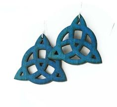 Blue trinity knot earrings made from wood by SkrockiDesign on Etsy Trinity Knot, Cut And Color, Knots, Artisan, Trending Outfits, My Style, Unique Jewelry, Wood, Handmade Gifts