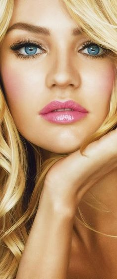 Candice Swanepoel sexy makeup...beauty and cosmetics (makeup) she is just too beautiful. love the lips.