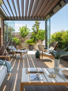 Terrace Decor, Terrace Garden Design, Rooftop Design, Backyard Patio Designs, Terrace Ideas, Rooftop Patio, Outdoor Pergola, Balkon Design, Design Exterior
