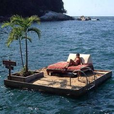 A really cool swim raft that looks like a tropical mini island. Stranded on an island. Oh Yeah! The Places Youll Go, Places To See, Relax, Seen, Dream Vacations, Beautiful Places, You're Beautiful, Surfing, Exterior