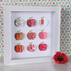 oh, isn't that sweet? (plus: the cath kidston background and the poppy :))