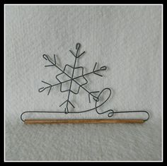 Decorative Wire Hangers with designs of hearts, scrolls, stars ... : wire quilt hangers - Adamdwight.com