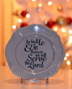 Last minute crafty gift ideas Holy Craft: cut vinyl on your silhouette or cricut and add to a plate Charger Plate Crafts, Charger Plates, Hirsch Silhouette, Deer Silhouette, Framed Burlap, Burlap Signs, Vinyl Gifts, Cricut Creations, Vinyl Projects