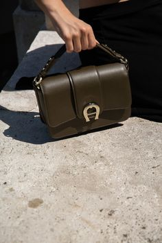 COFFEE RUN // Aigner Verona Bag + Arket Wrap Skirt + The Row Ginza Sandals — VIENNA WEDEKIND Coffee Date, Le Specs, Vienna, Asymmetrical Skirt, Shoulder Bag, The Row, Running, Arm Candies, Leather